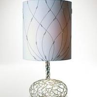 Fehér gyöngyös vas asztali lámpa -