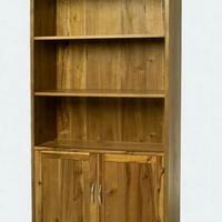 Design könyvszekrény ajtós olajozott akác -