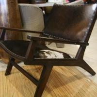 Teafa fotel szőrös marhabőrrel -