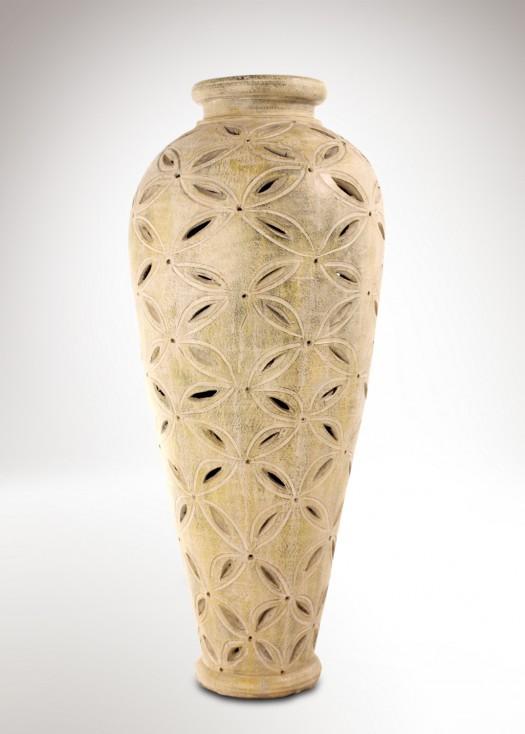 Csipkés kerámia váza